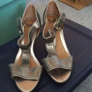 Almost new Metallic heeled sandals
